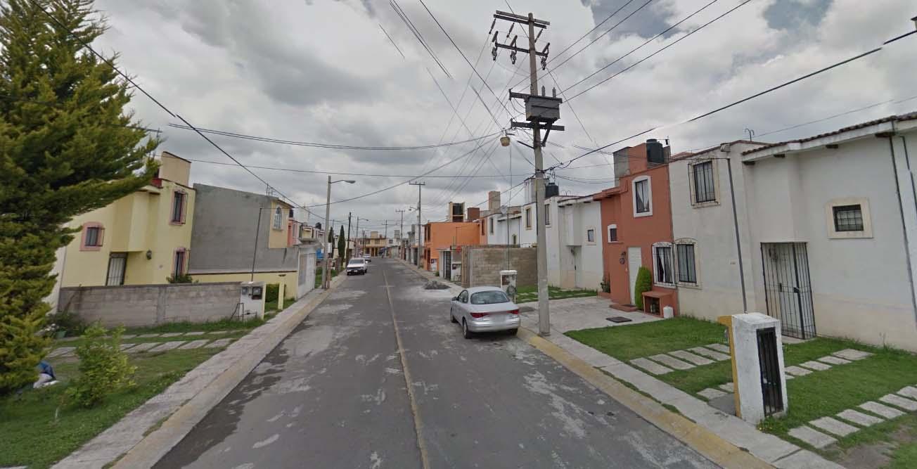 OPORTUNIDAD DE INVERSIÓN SEGURA!! Gana mas del 50% de tu Inversión. Casa de Remate en Toluca.